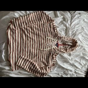 Beachy red and white stripped pull over